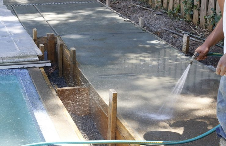 Horizontal vs. Vertical: How Should You Place Your Retaining Wall?
