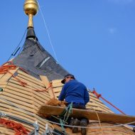 3 Signs That You Need To Call In A Roofer
