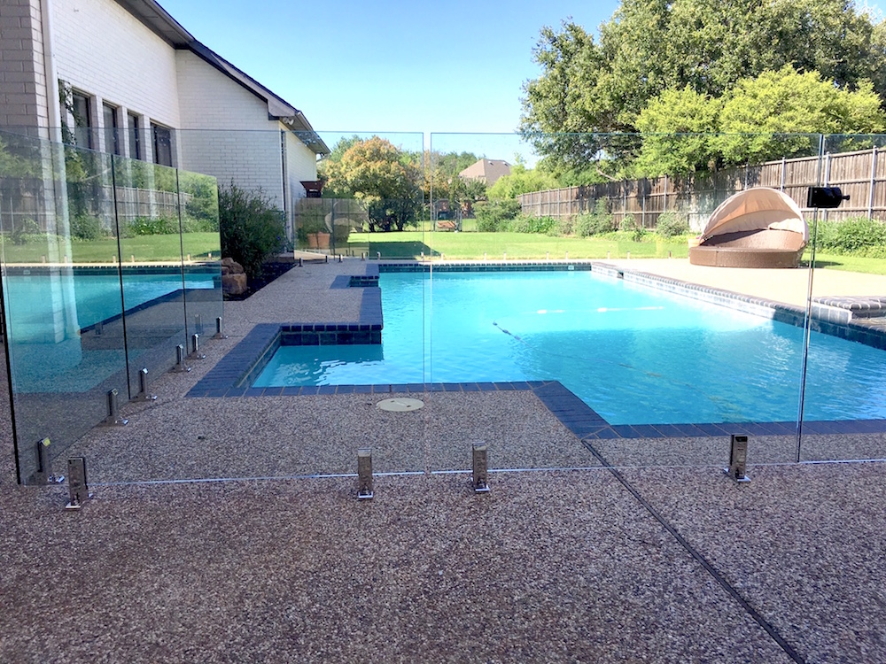Glass Pool Fences Merging Style With Safety Yourstrulyhandmade